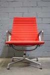 Vitra EA-116 Charles Ray Eames Alu Chair Lounge Sessel Stuhl rot Alu Group