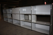 USM Haller Regal Raumteiler Sideboard 15 Fächer 2x Klappe lichtgrau