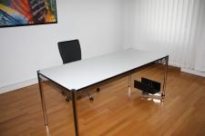 USM Haller Tisch Schreibtisch 150x100 cm perlgrau weiß Arbeitsplatz TOP 1, 5m 1m
