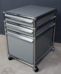 USM Haller Rollcontainer Schreibtisch-Ablage mittelgrau 3 Auszüge Schubladen