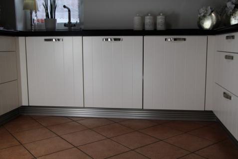 Küchen-Sockelsystem Aluminium Silber