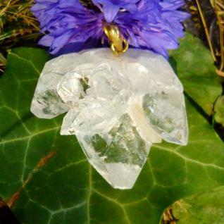 Apophyllit kristallin, Anhänger mit Silberöse vergoldet