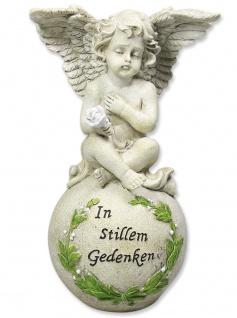 Engel auf Kugel In stillem Gedenken 23 cm