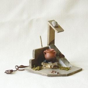 Kochstelle mit Mauerstück handgefertigt Holz 9 cm Zubehör für Weihnachtskrippe