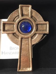 Wandkreuz Irisches Kreuz Bronze Glasstein blau Kommunion 6 cm Jürgen Peters
