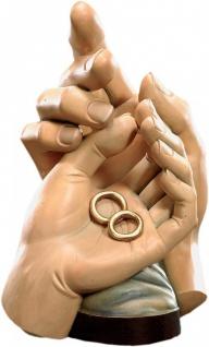 Schützende Hände Ehe Holz geschnitzt handbemalt Südtiroler Schnitzkunst