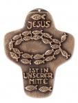 Wandkreuz Bronze Jesus ist in unserer Mitte Kommunion Kreuz 10, 5cm Jürgen Peters