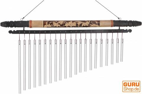 Aluminium Klangspiel, exotisches Windspiel mit Schnitzerei - Variante 2