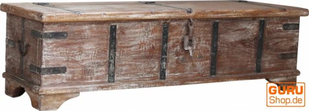 Vintage Holzbox, Holztruhe im Kolonialstil, Couchtisch, Kaffetisch aus Massivholz - Modell 52