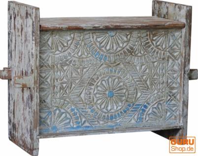 Rustikale Orissa tribal Holztruhe oder Sitzbank mit Verzierungen und Schnitzereien - Modell 13