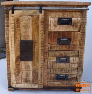 Rustikale Vintag Kommode mit 4 Schubladen und Schiebetür
