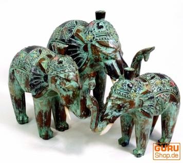 Geschnitzter Elefant in 3 Größen - grün