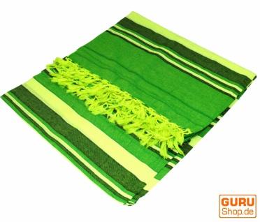 Weiche gewebte double Tagesdecke `Kerala` aus Baumwolle mit Fransen - grün/gestreift