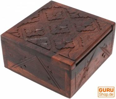 Beschnitzte kleine Schatztruhe, quadratische Holzschachtel, Schmuck Dose, Schatzkiste - Modell 19