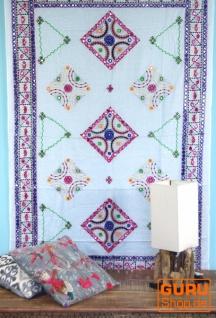 Besticktes Tuch mit Spiegelchen, Wandtuch, Unikat Pareo - weiß