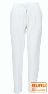 Schmale Hose. Bleistifthose, Sommerhose - weiß