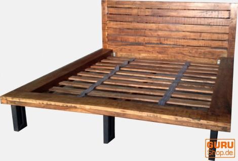 Stabiles Doppelbett aus Vollholz 180 cm - Modell 5
