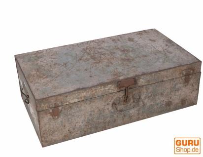 Alter Blechkoffer antiker Metallkoffer - Modell 23