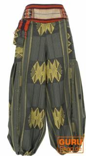 Weite Pluderhose mit breitem gewebtem Bund und Fransentasche - olivgrün
