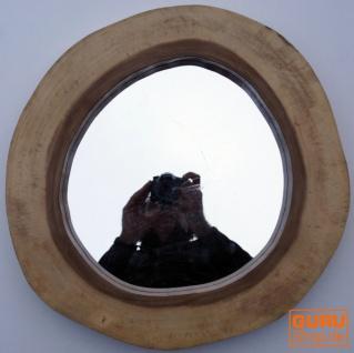 Spiegel aus massiver Baumscheibe