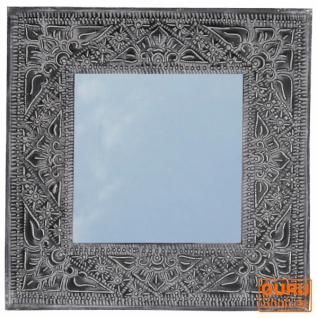 Spiegel mit handgeprägtem Rahmen aus Aluminium - Modell 1 schwarz