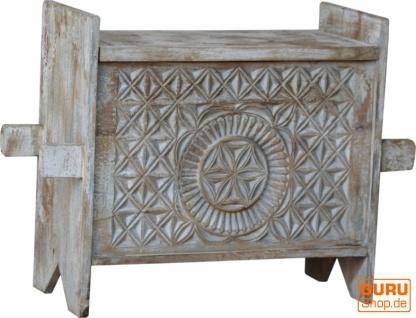 Rustikale Orissa tribal Holztruhe oder Sitzbank mit Verzierungen und Schnitzereien - Modell 14