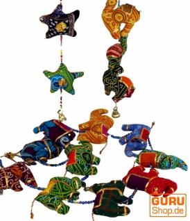 Mobile Stofftierkette aus Indien - Elefant/Stern/Kamel