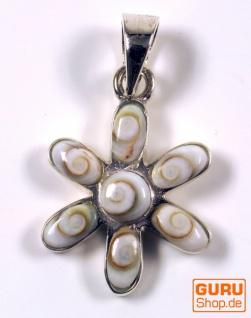 Boho Silberanhänger mit Shiva-Muschel - Blüte