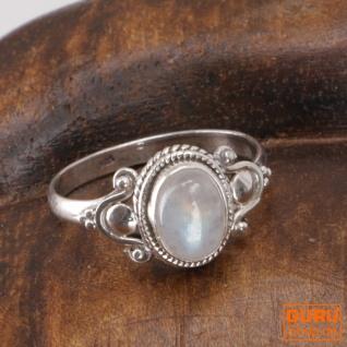 Boho Silberring, filigraner Edelsteinring mit ovalem Stein - Mondstein