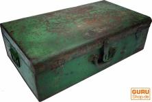 Alter Blechkoffer antiker Metallkoffer - Modell 18