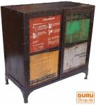 Metall Schrank mit alten Blechschildern im industrial Design - 3