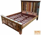 Vintage Bett aus Recycleholz
