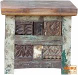 Kleine Holztruhe, Holzbox, Kiste, handgefertigt, mit eingesetzten Ornamenten, Jh17-083