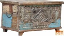 Truhe, Kiste Boxmit beschnitzter Front, im Vintage Look JH01-17-071