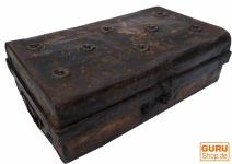 Alter Blechkoffer antiker Metallkoffer - Modell 11