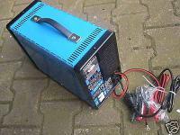 12V Batterielader f. Autobatterie Starthilfekabel