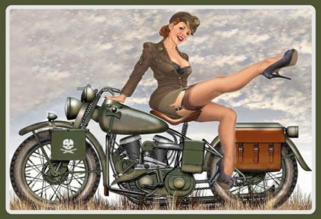 pinup / pin up sexy frau erotik militär uniform motorrad motorcycle motorbike blechschild