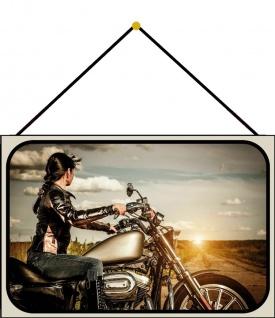 Blechschild Frau am Motorrad Metallschild Deko 20x30 cm tin sign mit Kordel