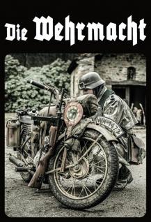 Militär: Die Wehrmacht (Soldat mit Motorrad) Metallschild Wanddeko 20x30 cm tin sign