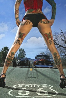 Pinup / pin up sexy frau erotik Route 66 tattoo mit hot rod farblich blechschild