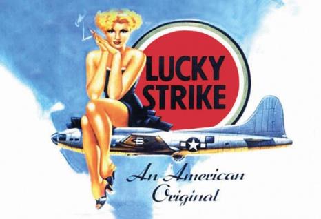 Lucky Strike Cigaretten - American original, frau am flugzeug blechschild