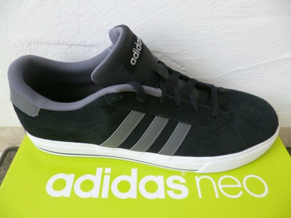 Adidas Schnürschuhe Sneakers Halbschuhe Sportschuhe DAILY schwarz NEU!