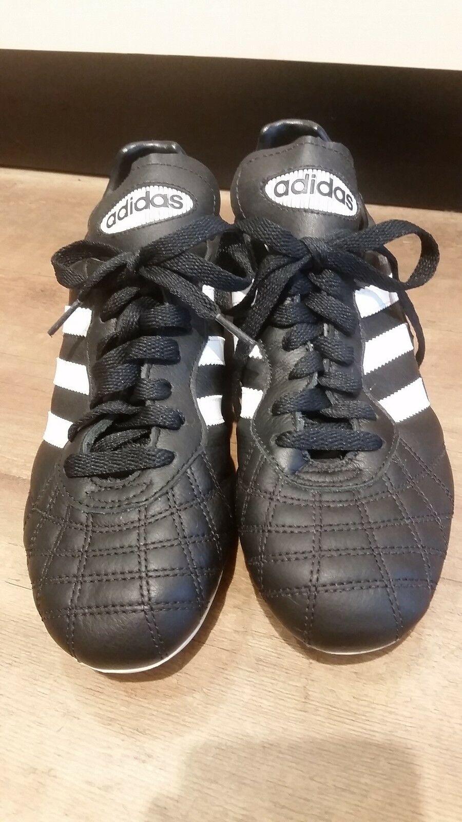 Adidas Fußballschuh schwarzweißlila Nockenstollen NEU