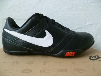 Nike Sportschuhe Sneakers Freizeitschuhe Fußballschuhe Hallenschuhe schwarz NEU