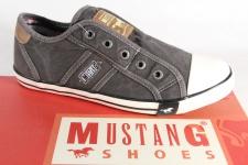 Mustang Slipper Sneakers Sportschuhe Halbschuhe grau/schwarz Leinen 1099 NEU