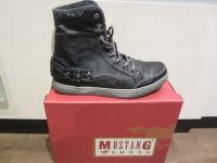 Mustang Stiefel Boots Schnürstiefel Winterstiefel schwarz, warm gefüttert NEU