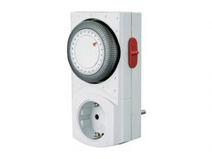 Tageszeitschaltuhr 2-Polig Mechanisch mit erhöhtem Berührungsschutz, GAO
