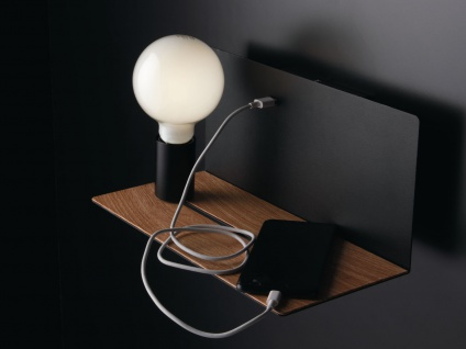 Ausgefallene LED Wandleuchte Schwarz verstellbare Lampe, USB Anschluss & Ablage