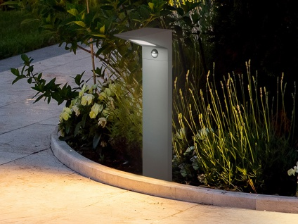 LED Außensockelleuchte mit Bewegungsmelder in Anthrazit Gartenlampen mit Strom