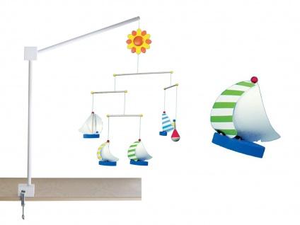 XL Mobile Halterung für Babybett aus Holz weiß gelaugt mit bunten Segelschiffen